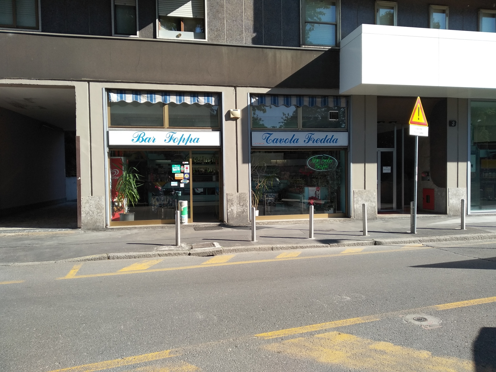 cedesi-attività-bar-piazza-bolivar-milano-spaziourbano-immobiliare-commerciale-1