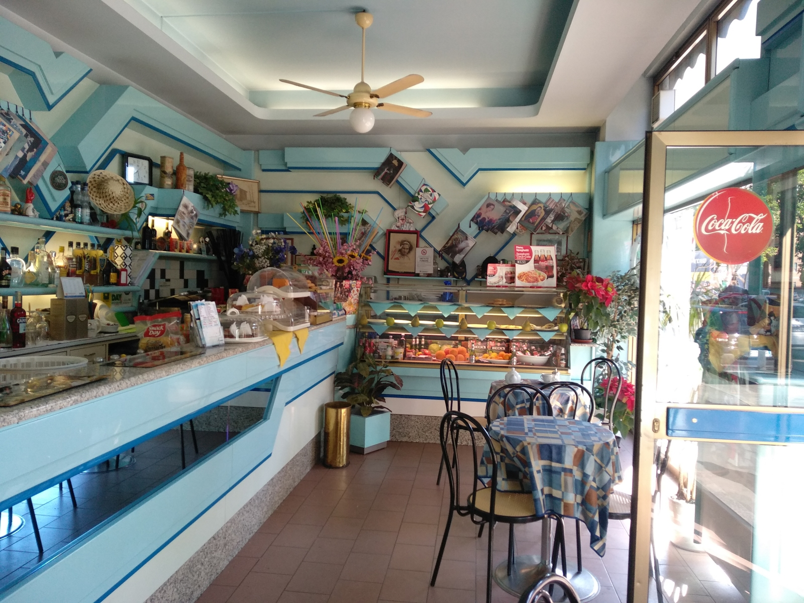 cedesi-attività-bar-piazza-bolivar-milano-spaziourbano-immobiliare-commerciale-11