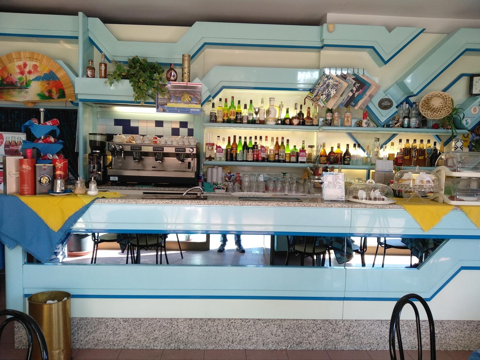 cedesi-attività-bar-piazza-bolivar-milano-spaziourbano-immobiliare-commerciale-3