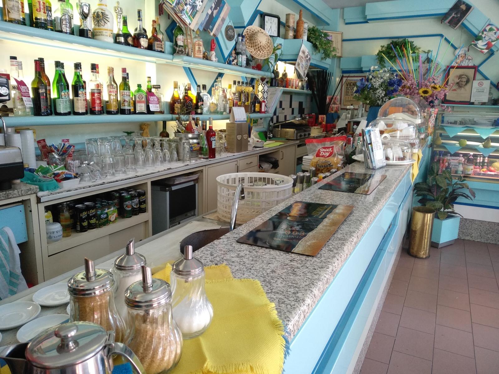 cedesi-attività-bar-piazza-bolivar-milano-spaziourbano-immobiliare-commerciale-8