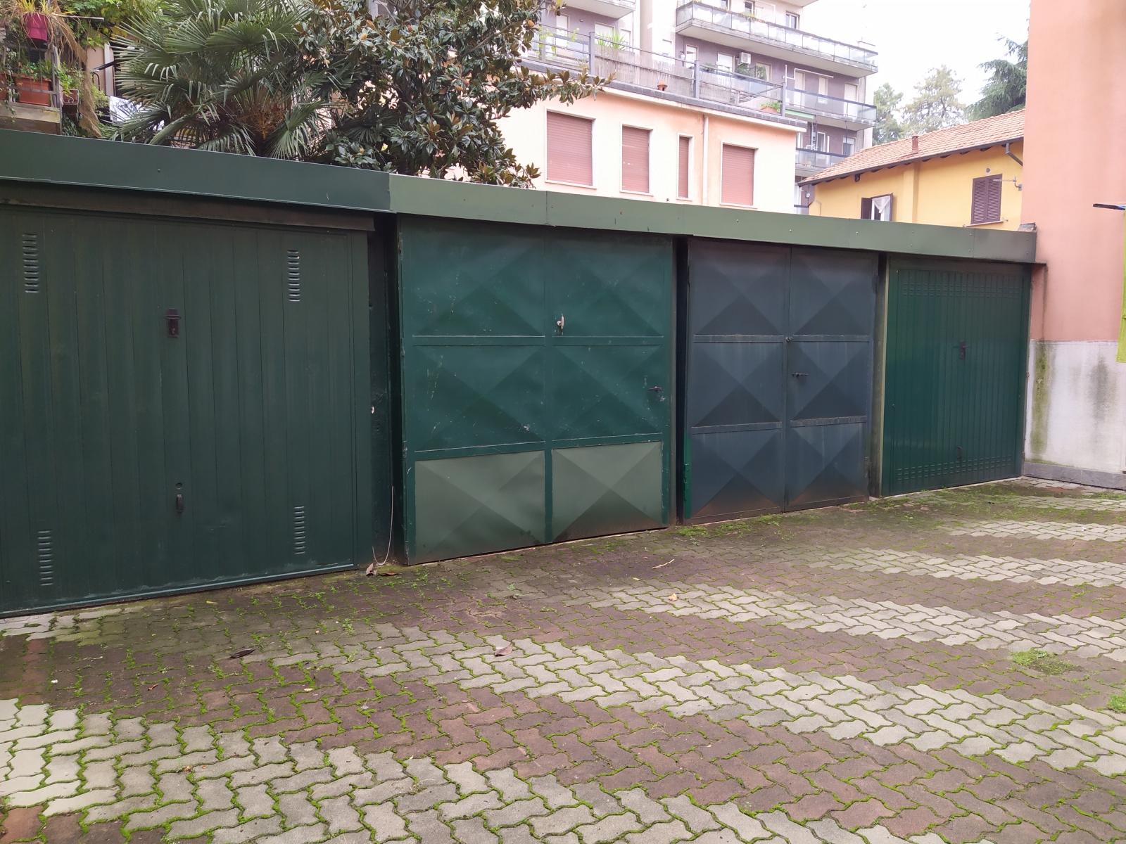 box-vendita-milano-baggio-spaziourbano-immobiliare-dove-trovi-casa-posto-auto-autorimesse-posto-moto-3