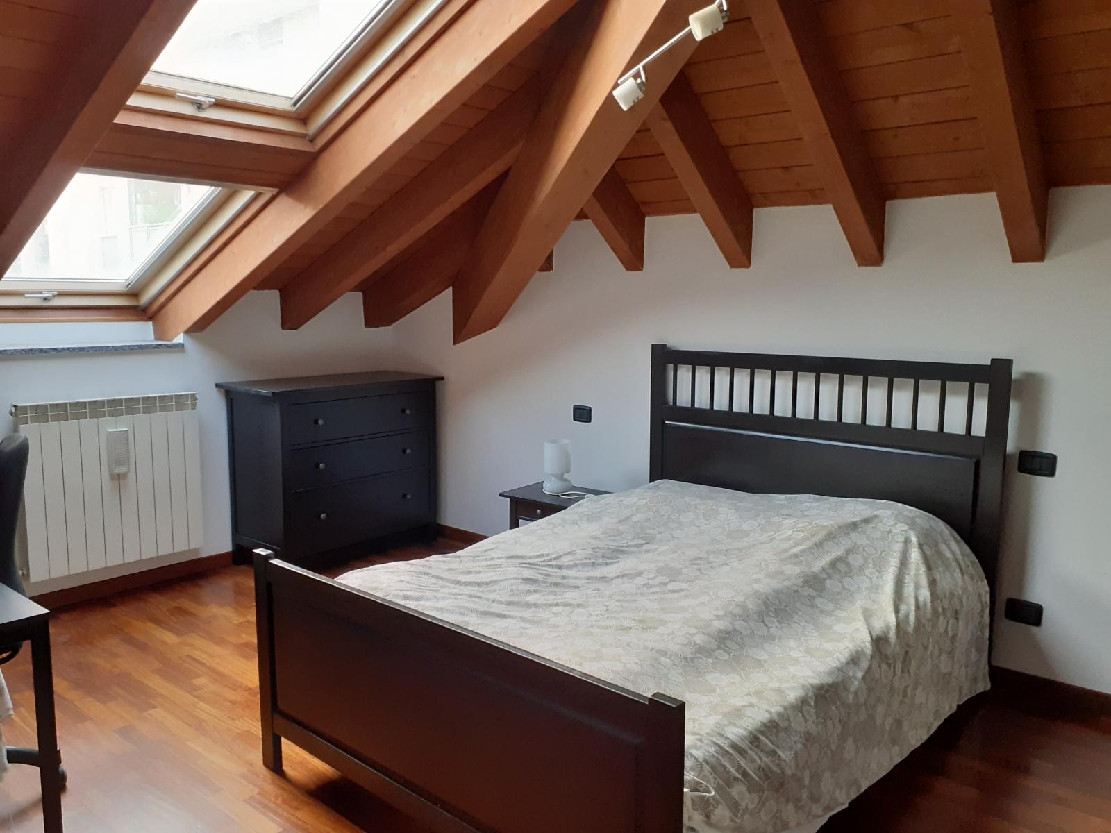 appartamento-in-vendita-a-rho-mansarda-2-3-locali-spaziourbano-immobiliere-vende-1