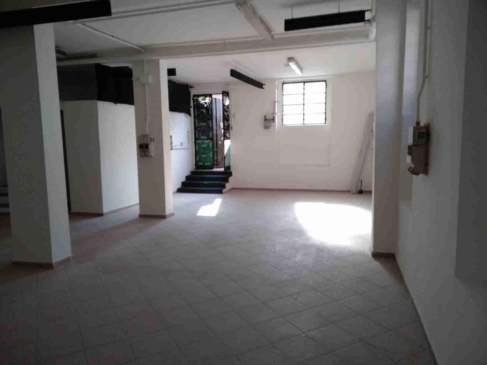 laboratorio-in-affitto-milano-baggio-C2-spaziourbano-immobiliare-vende-5