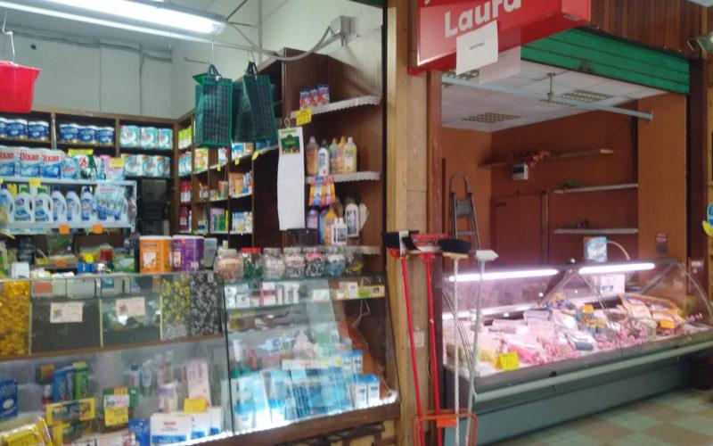 Baggio, Locale commerciale all'interno del Mercato Rionale