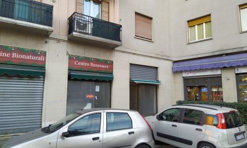 Negozio in vendita a Baggio