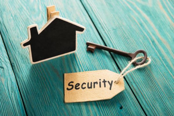 Sicurezza per la casa: quando è necessario: sostituire la serratura della porta blindata?